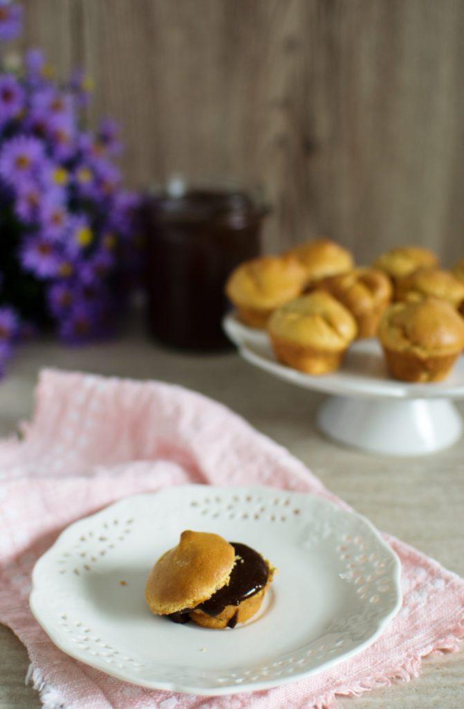 mini-muffinki-z-maki-kukurydzianej