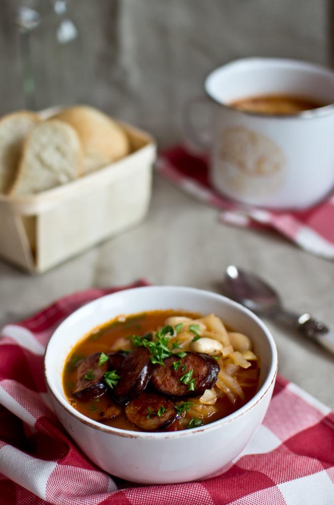 zupa z kapustą i fasolą