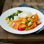 Dorsz z kaszą jaglaną i warzywami