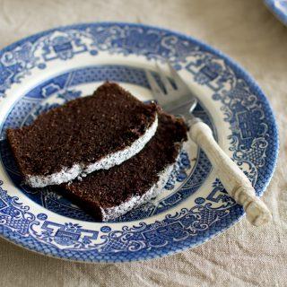 Czekoladowe ciasto z mąki kokosowej