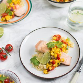 Łosoś z salsą z mango i kukurydzy