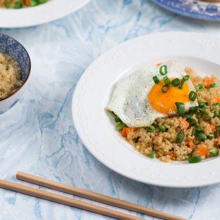 Quinoa z warzywami i jajkiem