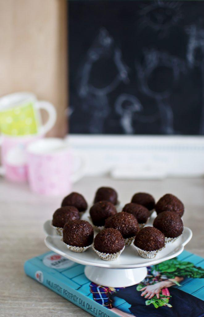 kulki-czekoladowo-migdalowe