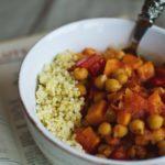 Ciecierzyca w pomidorach z warzywami