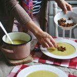 Krem z pora z grzankami i serem