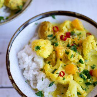 Curry z kurczakiem, dynią piżmową i kalafiorem