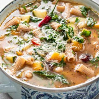 Lekka zupa warzywna z dynią
