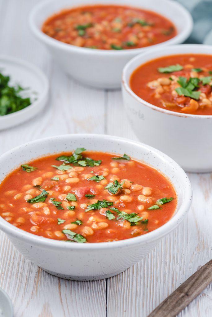 zupa z fasolą i pomidorami